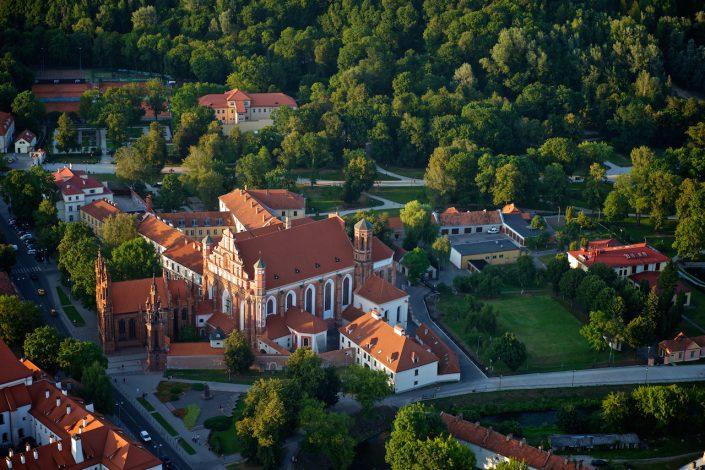 Bernardinų bažnyčia iš oro
