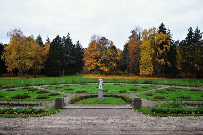 Rožių parkelis rudenį