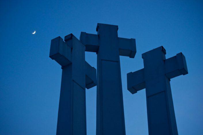 Trys kryžiai